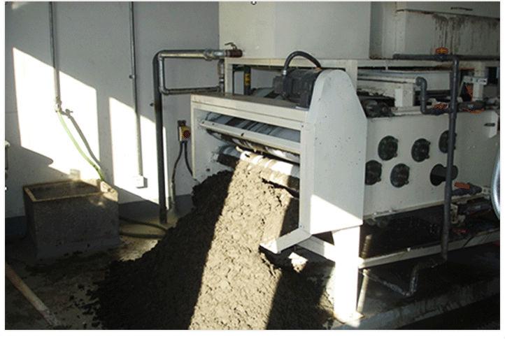 上海亞洲槳紙帶式污泥脫水機現場