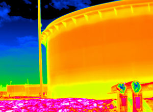 Fluke TiX660 红外热像仪,分辨率: 640 x 480  实测红外像素: 307,200(1,228,800像素,开启精密位移成像技术)