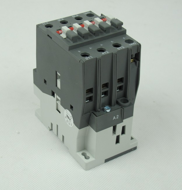 ABB接触器 UA63-30-00RA AC380V